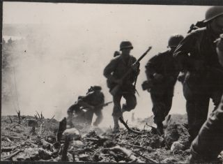 [Archive of 1100+ Original Photographs of a WWII Soldier's Life in the Pacific Theater]